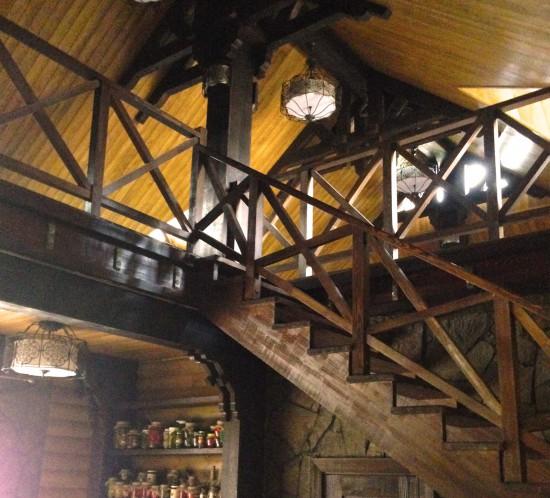Изготовление лестниц на заказ в мастерской Каудаль
