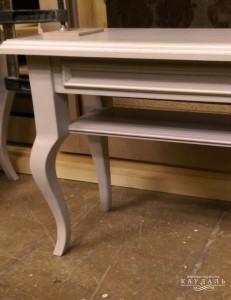 Ножка кабриоль для столика.