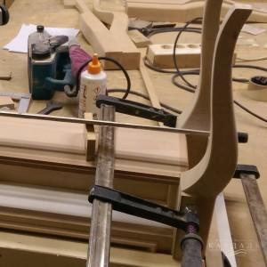 Склейка в мастерской мебели