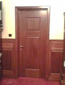 Двери из дерева для офисов на заказ