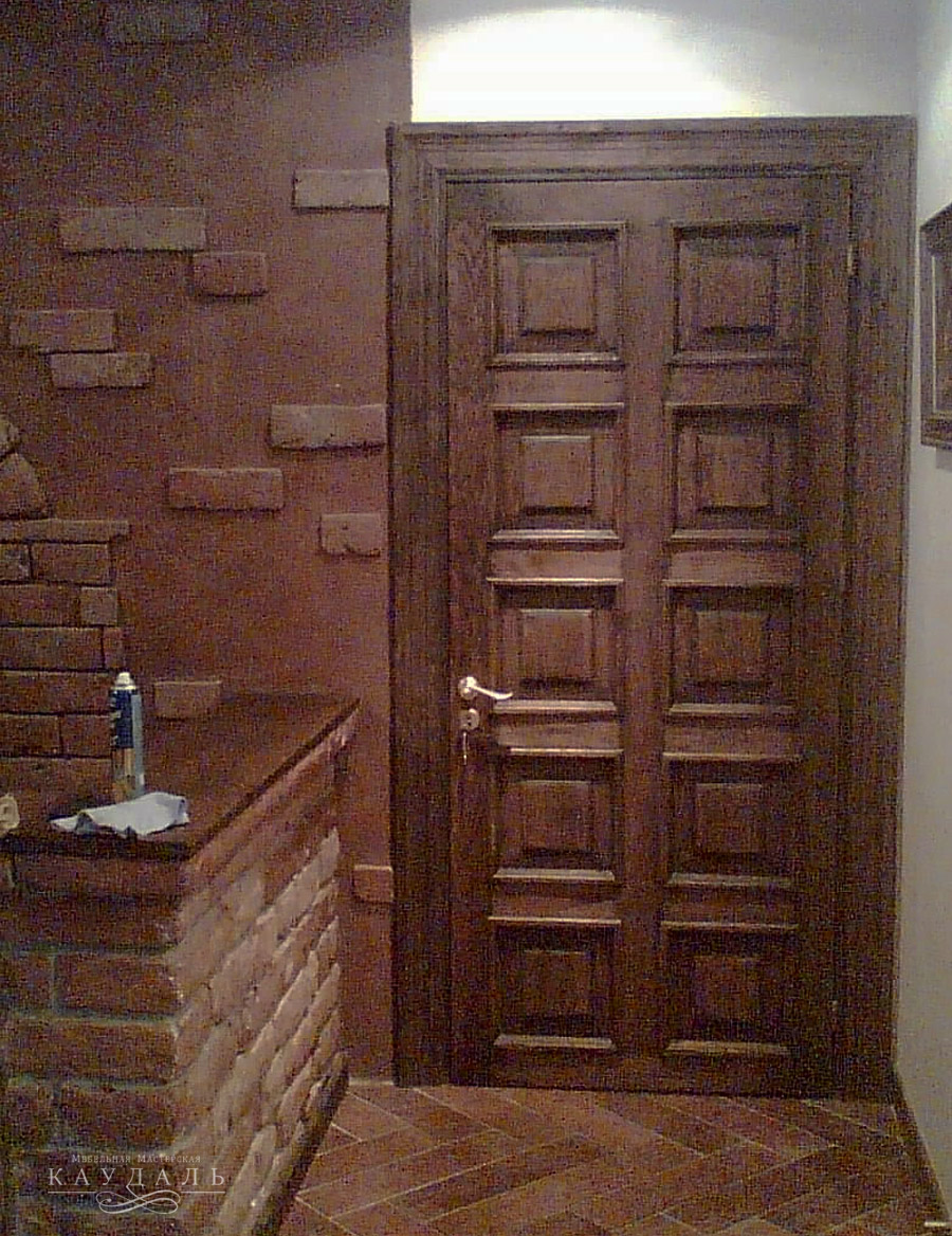 Двери из массива на заказ в Москве