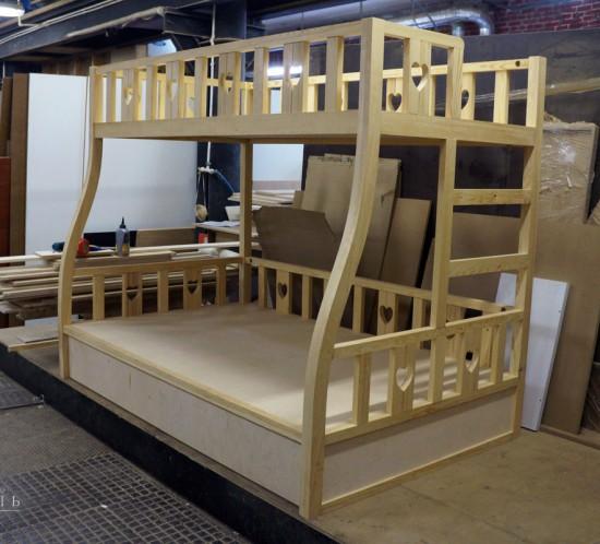 Купить детскую двухъярусную кровать у производителя