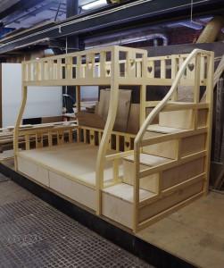 Кровать на заказ в детскую комнату