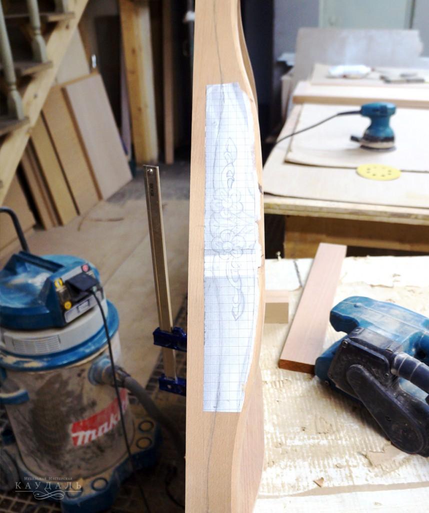 Декор на мебели ручной работы