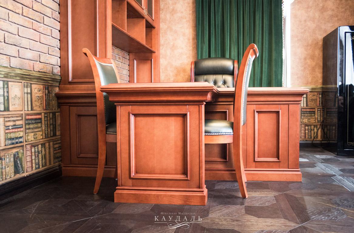 Стол в рабочий кабинет на заказ