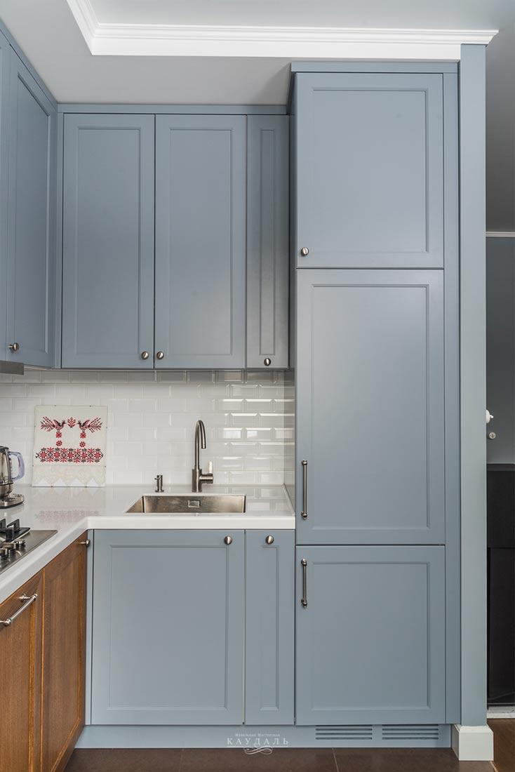 Серые кухонные фасады на заказ для классической кухни