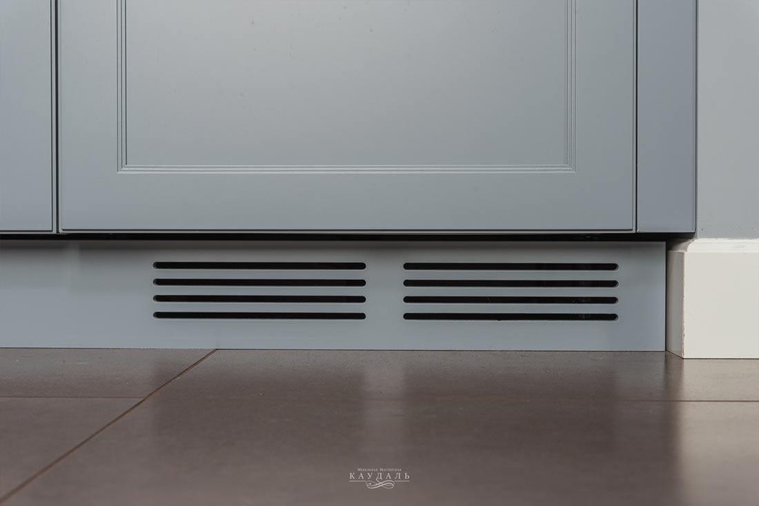 Люк для вентиляции для встроенного холодильника