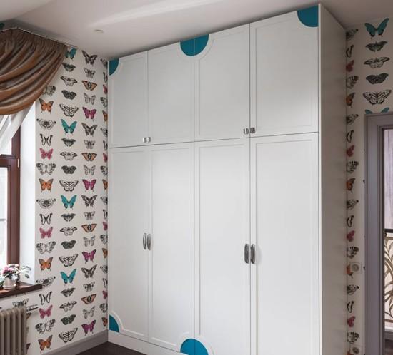 Белый шкаф в детскую комнату