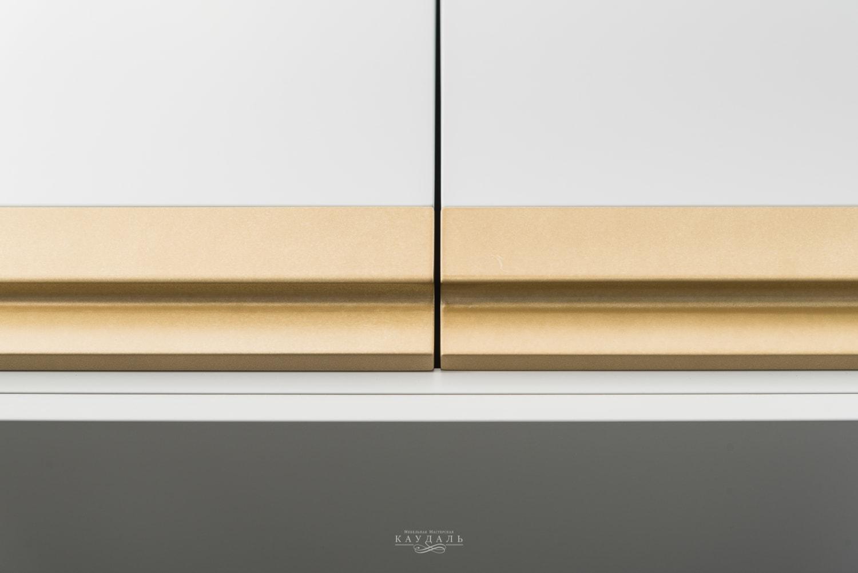 Аккуратные и стильные фасады в 2 цвета: серый и золотой