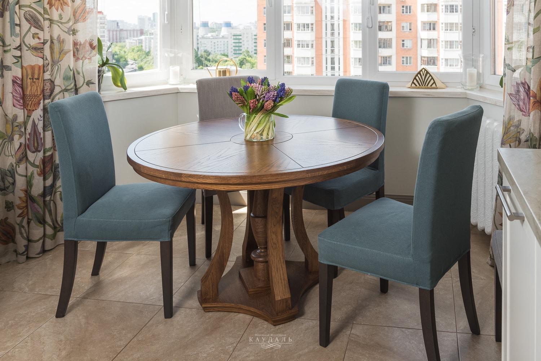 Круглый обеденный стол на кухне - реальные фотографии