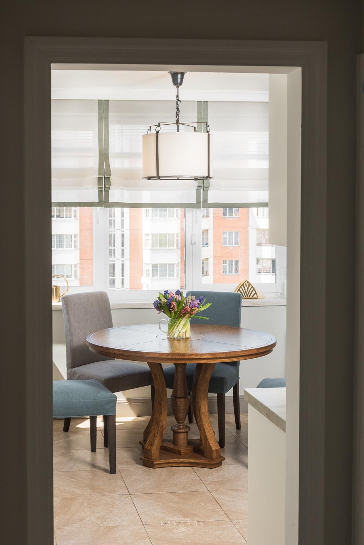 Круглый стол в реальном интерьере